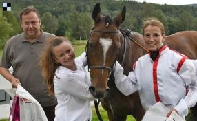 Cacophonous a Martina Havelková pátí v Prix du Cadran, Slovenské Derby pro Troop Commandera, Preakness Stakes pro klisnu