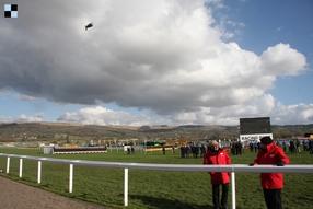 National Hunt: V Down Royal favorité pohořeli, Cyrname vyhrál ve Wetherby